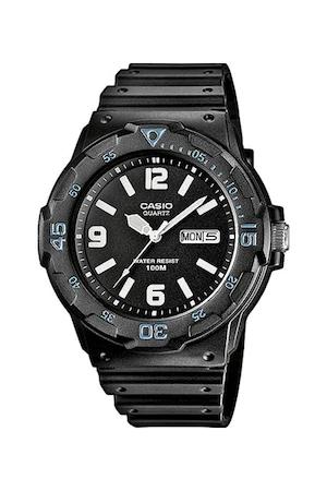 Часовник Casio с каишка от смола, Черен
