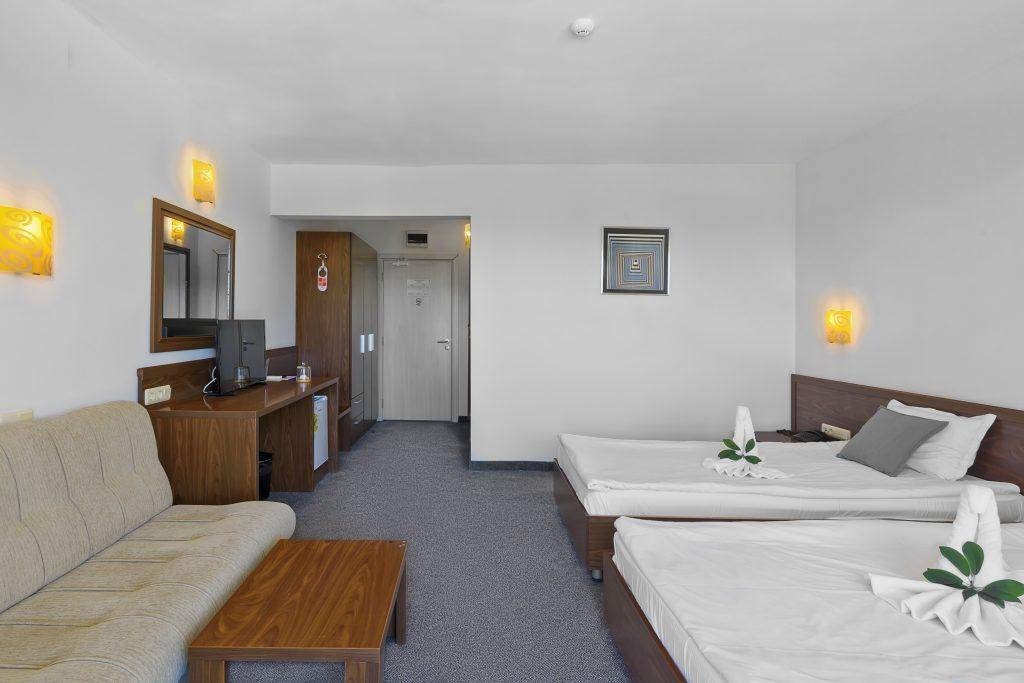 Хотел Гларус, Слънчев бряг:Всяка 5-та нощувка до 21.07.21 е безплатна!